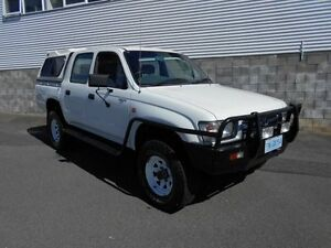 2000 Toyota Hilux RZN169R (4x4) White 5 Speed Manual 4x4 Dual Cab Pick-up Devonport Devonport Area Preview