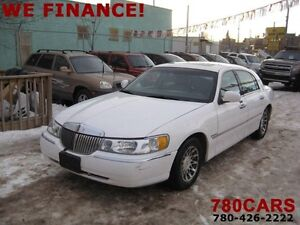 2001 Lincoln Town Car Signature - LEATHER - SUNROOF - TRADES