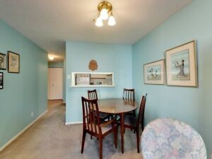 Outstanding 1+1 Condo Apartment Located At King St E