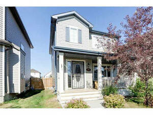 3 Bed 2.5 Bath Small Pet Friendly Home Available Immediatley