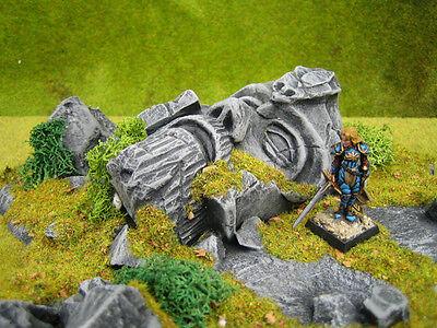 The Old King Unpainted Ceramic Thomarillion Terrain Dwarven Forge D&D