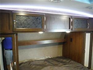 2017 Solaire 240BHS Travel Trailer w Bunkbeds & O/S kitchen Stratford Kitchener Area image 19