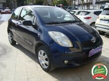 TOYOTA Yaris 1.0 3 porte Now