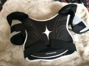 Hockey shoulder pads & neck guards- Youth M & XS/S