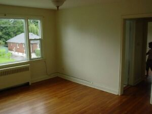 SEPT 1ST!!! Beautiful 2 Bedroom Centrally Located!!