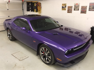 2013 Dodge Challenger SRT8 Coupe (2 door)