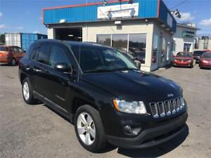 JEEP COMPASS NORTH 2011 4x4 AUTO/ MAGS/ SIÈGES CHAUFFANTS !!!