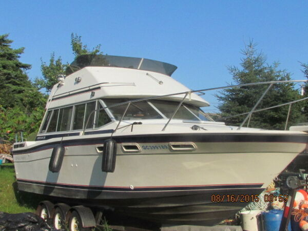 Used 1986 Bayliner contessa fly bridge