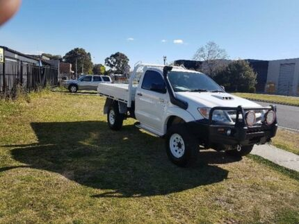2007 Toyota Hilux KUN26R SR White Manual Cab Chassis