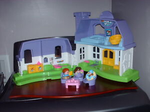 MAISONS FISHER PRICE