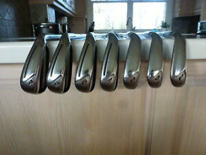 Ensemble de fer taylormade Rbladez 4-pw en superbe condition