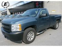 2011 Chevrolet Silverado 1500 REGULAR CAB 8 FOOT BOX  LOW KMS