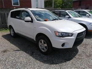 2011 Mitsubishi Outlander ES-AWD-Great on Gas-Low Kms-Certified
