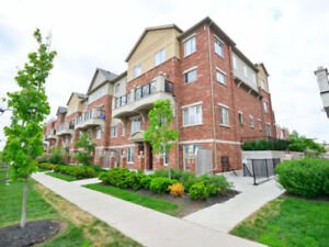 2 BED/2BATH BRIGHT AND SPACIOUS MAIN LEVEL TOWNHOUSE
