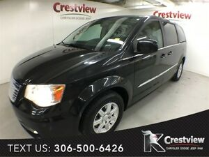 2012 Chrysler Town & Country Touring w/ Sunroof, Navigation, DVD