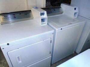 WHIRLPOOL COMMERCIAL WASHER AND DRYER SET / ENSEMBLE LAVEUSE SECHEUSE COMMERCIALES WHIRLPOOL