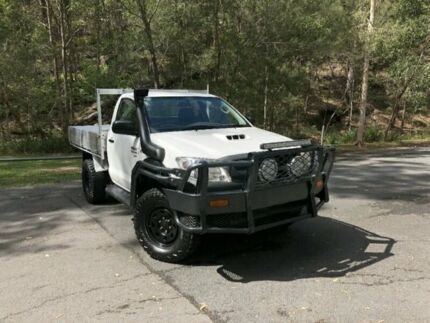 2010 Toyota Hilux KUN26R MY10 SR SINGLE CAB White Manual Cab Chassis Springwood Logan Area Preview