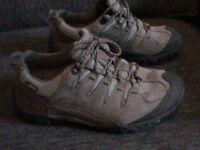 TIMBERLAND SIZE 8 GORTEX WALKING TRAINERS
