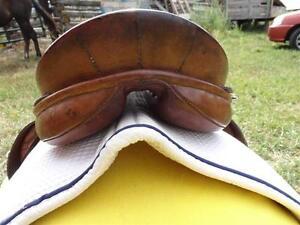 "16.5"" Barnsby English Saddle Penticton Kelowna image 6"