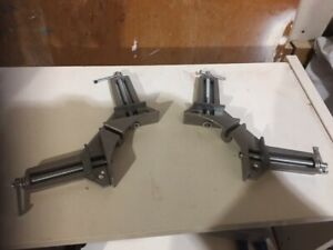 90 degrees clamps