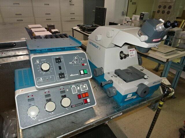 Reichert-Jung Microtome 701704 ULTRACUT E, Range: 0 - 2.5 um, Speeds: .1 - 50 mm