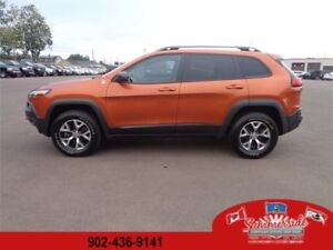 2016 Jeep Cherokee Trailhawk V6 Leather Plus Double Sunroof NAV!