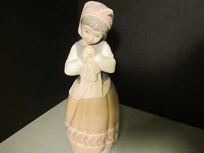 LLADRO PORCELAIN RARE FIGURINE # 01005026 BLUSHFUL GIRL RETIRED MINT