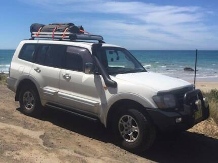 Mitsubishi Pajero Exceed (Incl. Camping Gear/Fridge/2nd Battery)