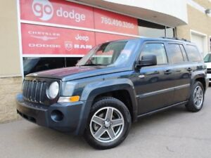 2008 Jeep Patriot North / Sunroof / Heated Front Seats