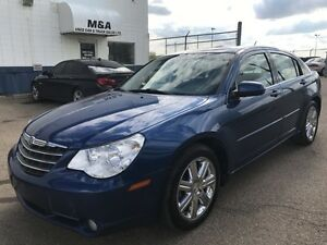 2010 Chrysler Sebring Limited - Leather, Sunroof, Heated seats!!