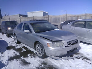 VOLVO S60  (2002/2010 / FOR PARTS PARTS ONLY)