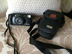 Minolta Freedom Zoom 90 Ex (with leather case) - only $10 !!