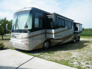 2005 Newmar Dutchstar 4024 W/4 Slides Selling due to Health