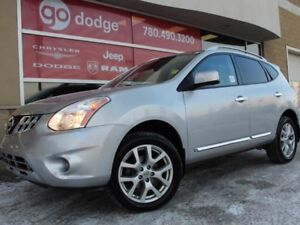 2013 Nissan Rogue SL AWD / Sunroof / Back Up Camera / Heated Fro