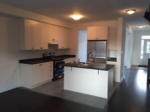 3 Bedroom Townhouse @ Harbord St (16th/Kennedy) FOR LEASE