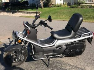 Close to BRAND NEW 2006 HONDA RUCKUS!!!!