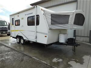 2005 Hybrid Travel Trailer. Fall finance special! Kitchener / Waterloo Kitchener Area image 1
