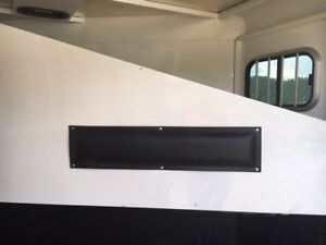 Horse Trailer Divider and Wall Pads