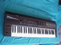 ROLAND D50 VINTAGE SYNTHESIZER + ROM EVERYTHING WORKS