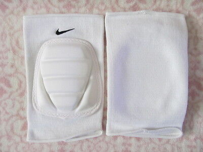 Nike Multi-Sport Bubble Knee Pads One Pair Adult S/M White/Black - New