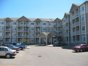 Condo in Saamis Heights