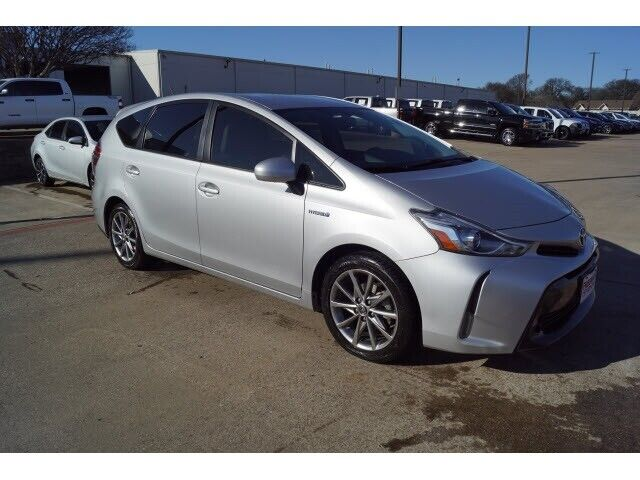 Image 1 Voiture American used Toyota Prius V 2016