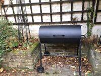 Charcoal BBQ (Black)