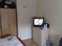 Spacious Furnished double ROOM in Clean, Quiet and Friendly Flatshare ALL BILLS And FIBRE WIFI INCL
