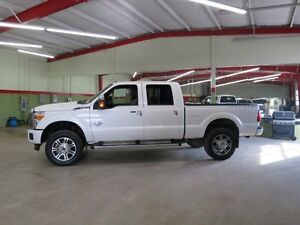 2015 Ford F-350 #PlatinumDiesel #4x4 #greenlightauto #trucks