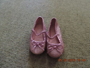 Toddler Girl's Shoes and Sandals Size 4 & 5 London Ontario image 2