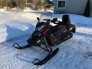 Ski-doo RENEGADE 900 Ace 2015 IMPECCABLE!