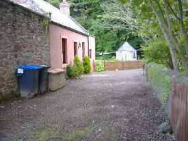 Detached Cottage in Auchenblae, Fully Furnished, Available Now