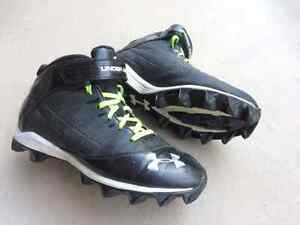 Souliers de Football Under Armour, 7.5 hommes, spikes