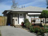 GORGEOUS BUNGALOW IN CLARKSON !!!UTILITIES INCLUDED
